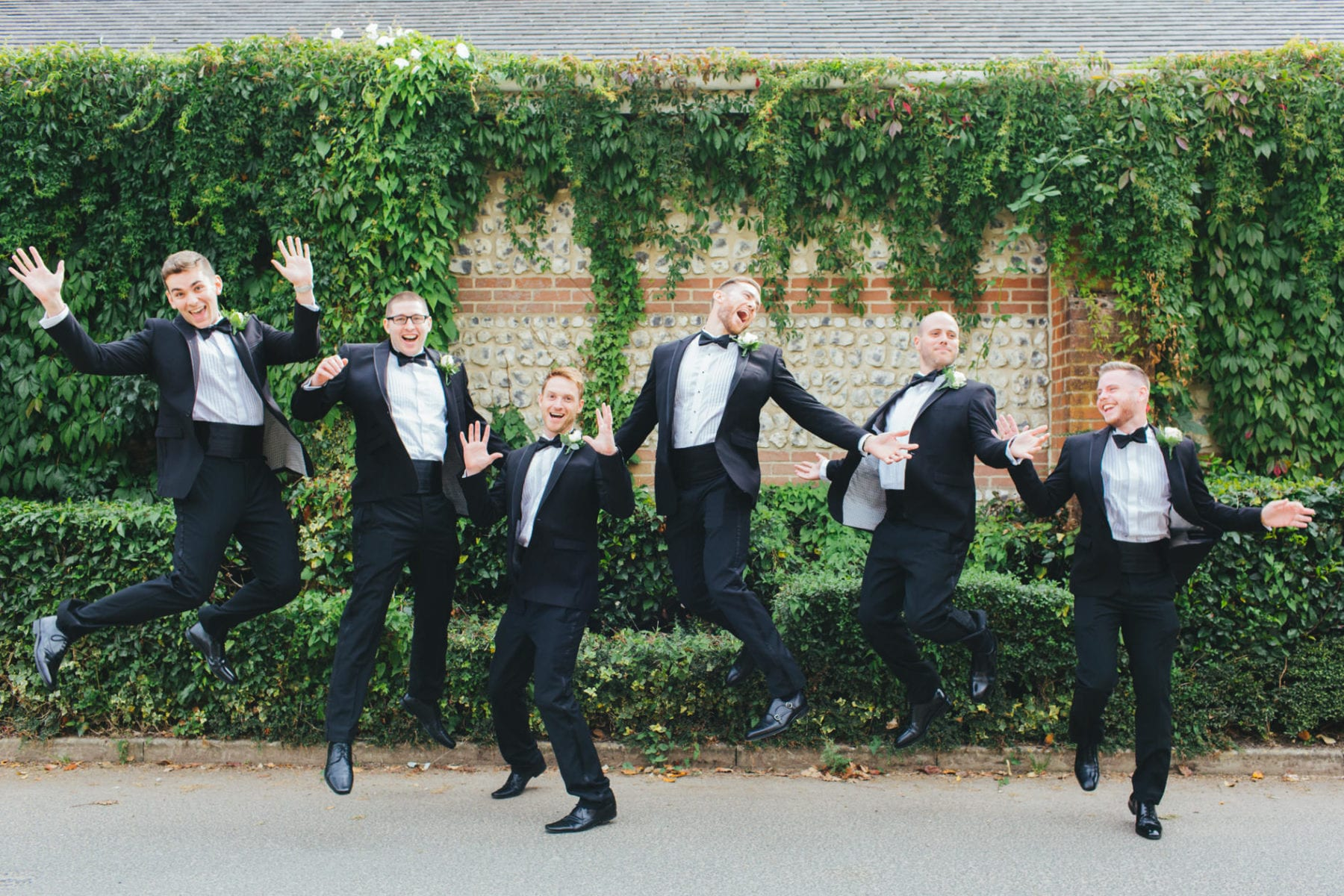 wedding group photos - relaxed, natural and fun!